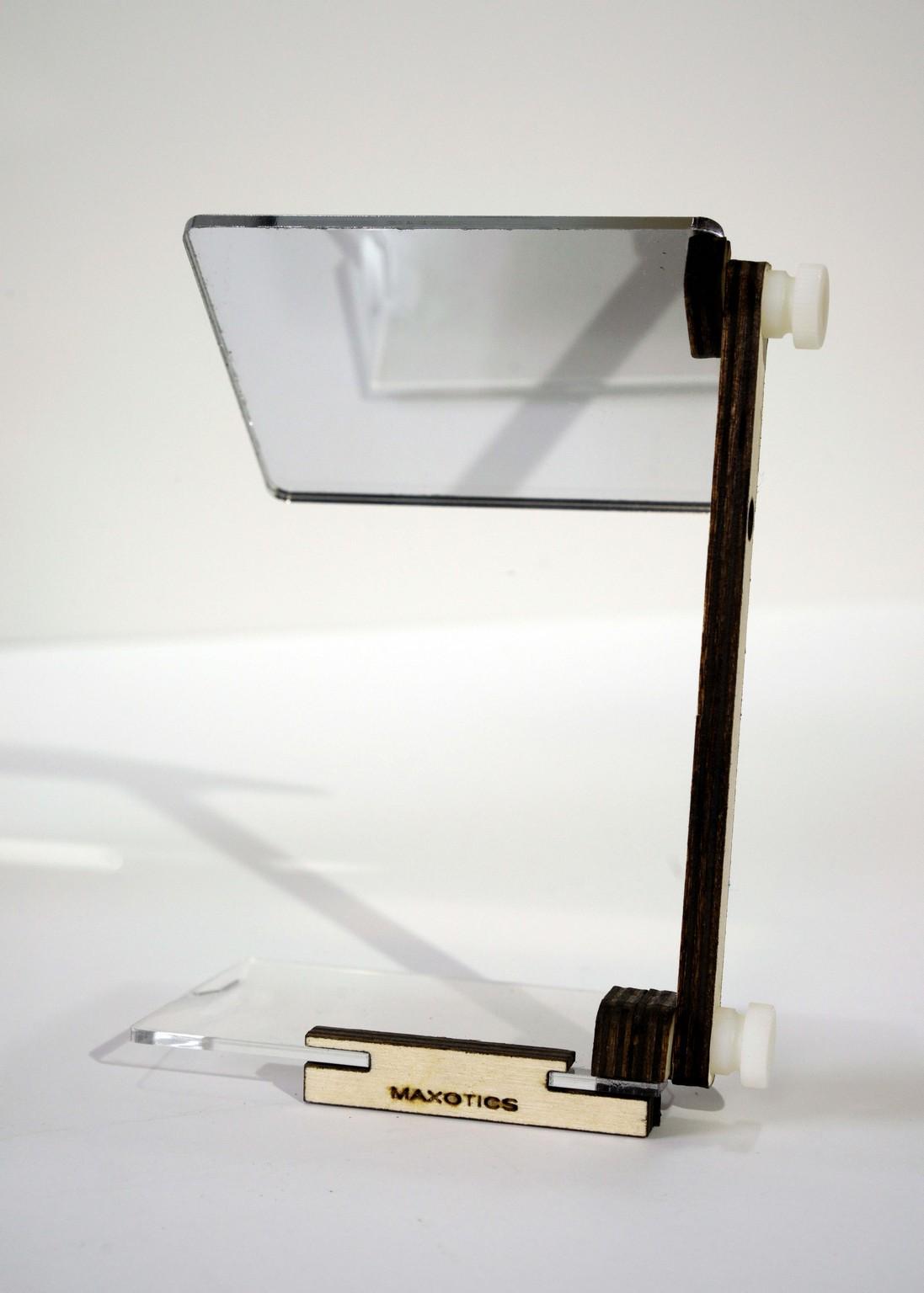 Vlogging Mirror For Tilt-Screen Cameras